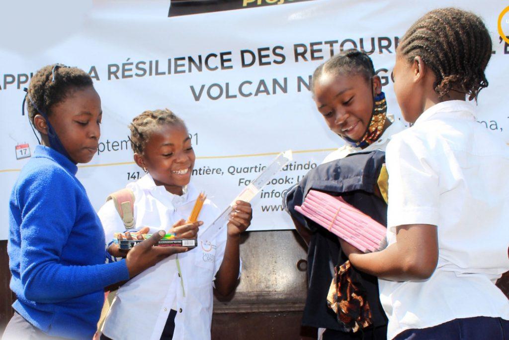 Distribution des fournitures scolaires à Turunga, Média UJN, Juin 2021